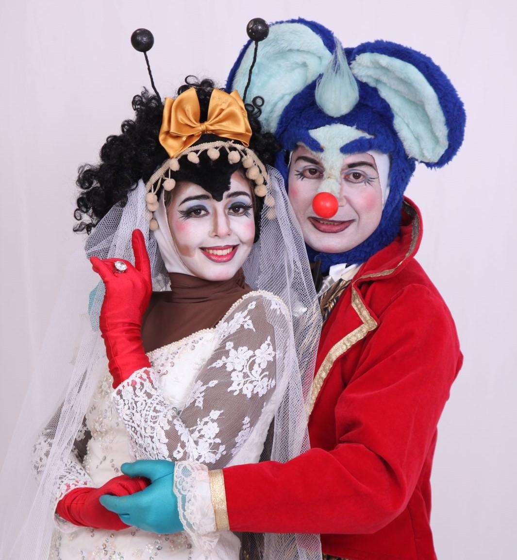 """""""O Casamento da Dona Baratinha"""" retoma infantis no Teatro Riachuelo"""