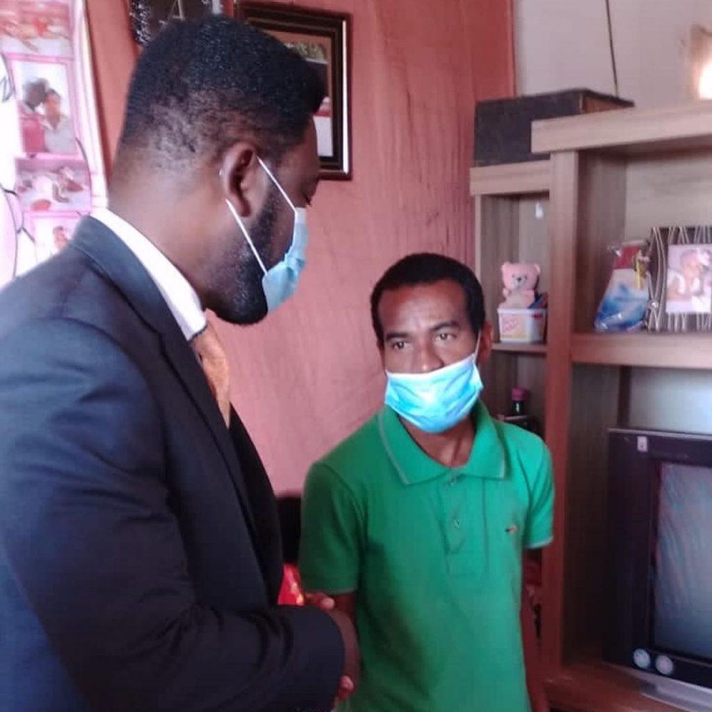 Secretário visita quilombola