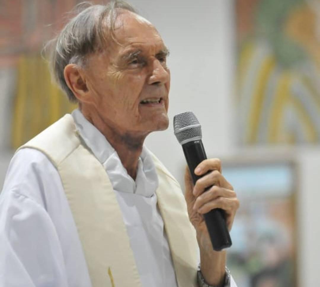 Padre Tiago Theisen